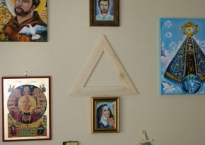 Spiritual Energy Healing , John of God , & Soul Retrieval by Healing Channels sacred triangle above altar 1 400x284 - Healing Room